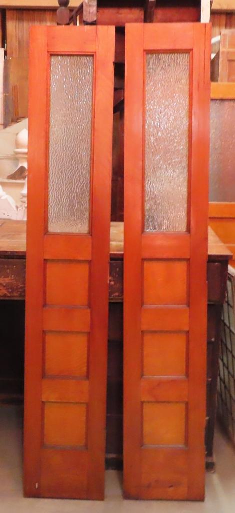 Oak 10 Light Door W/Chicken Wire Glass