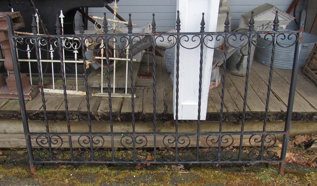 cast iron fence DSTT